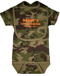 gun_girls_inc_green_camo_daddys_little_pistol_onesie_and_bib