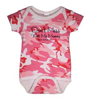gun_girls_inc_baby_pink_camo_dont_mess_with_my_mommy